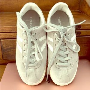Size 4, gray and white Tretorn sneakers